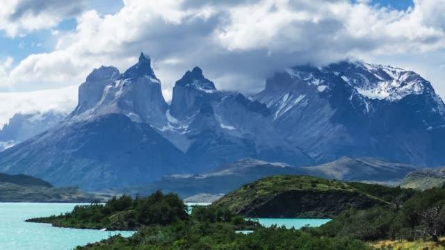 torres del paine millî parkı - donmuş su stok videoları ve detay görüntü çekimi