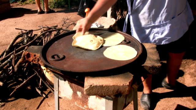 Tortillas 'Hechas a Mano' video
