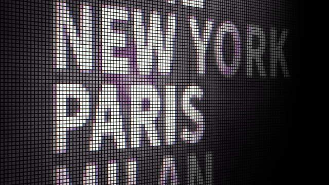 vídeos y material grabado en eventos de stock de pantalla táctil seleccionar paris - moda parisina