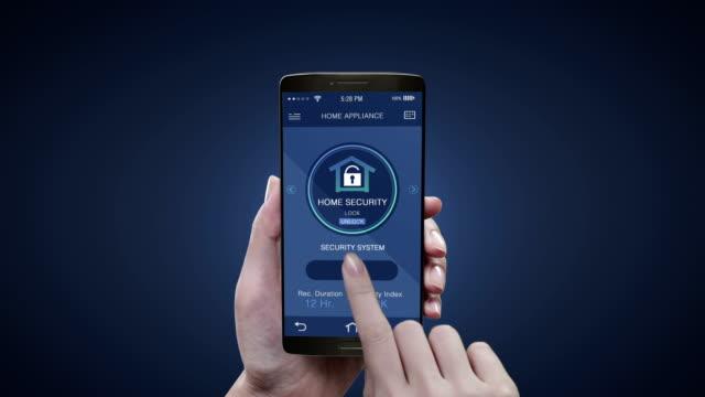 모바일 IoT 홈 기기, 홈 보안 제어를 건 드려. 사물의 인터넷, IoT 스마트 홈, 비디오
