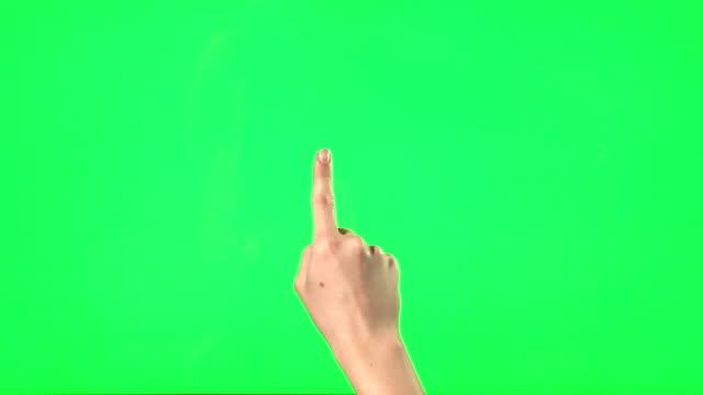 vídeos de stock e filmes b-roll de gestos de mão feminina - apontar sinal manual