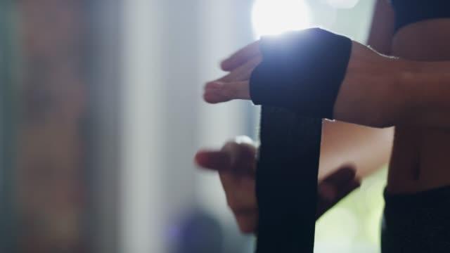 vídeos de stock, filmes e b-roll de endurecer! - artes marciais