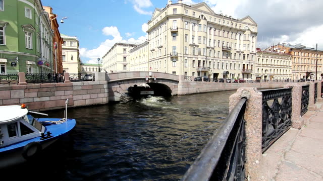Tour ship turn to the Winter canal, St. Petersburg, Russia video