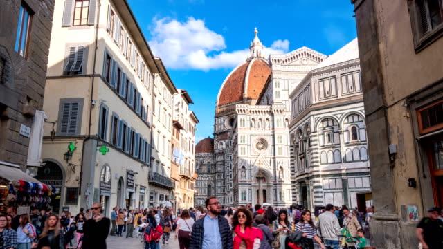 Tourist crowd traveling at Duomo of Florence, Duomo santa maria del fiore, Italy