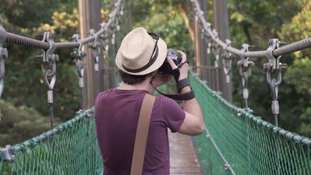 stockvideo's en b-roll-footage met toerist in kuala lumpur - kuala lumpur