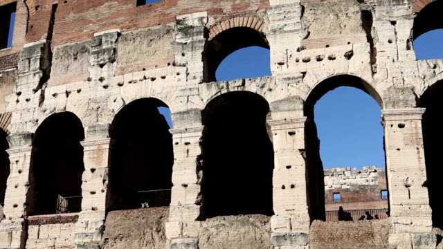 Tourists at Coliseum of Rome Dezoom HD Video video