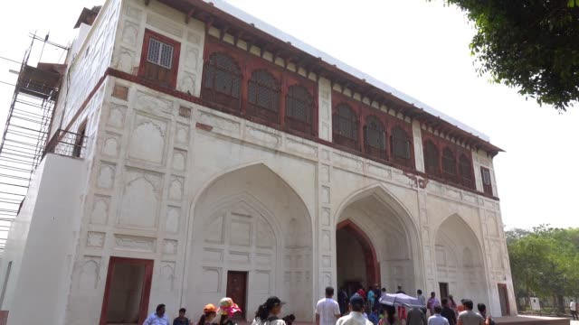 Tourists crowd inside of the Red Fort in Delhi, India