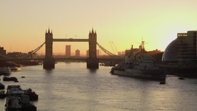 WS Tower Bridge at dawn video
