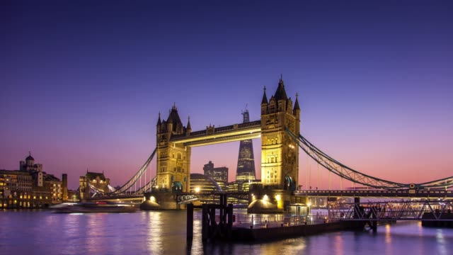 Tower Bridge - Day to Night Time Lapse