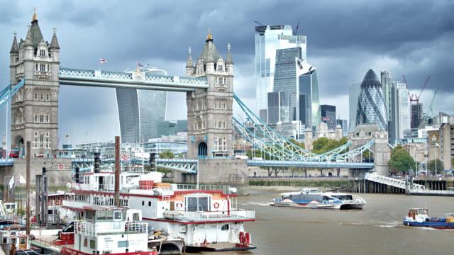 Turmbrücke. im Stadtzentrum. Finanzbrücke. London City – Video
