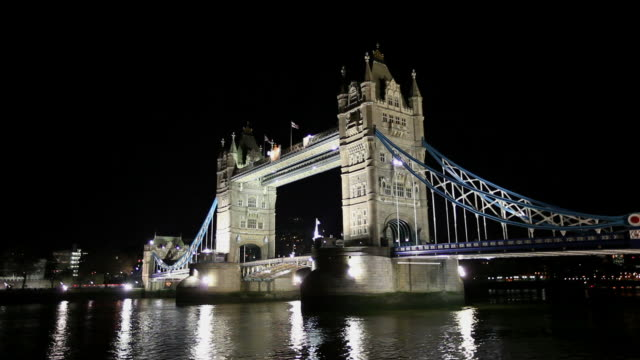 HD: Tower Bridge in London at night video