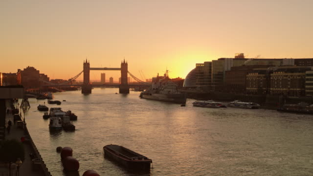 WS Tower Bridge in the sunrise video