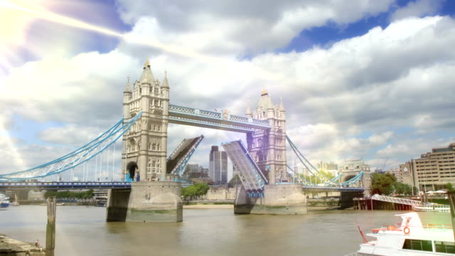 Tower Bridge, London opening and closing. HD video