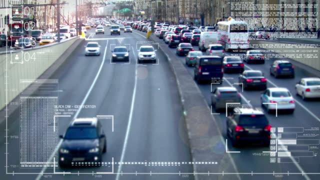 отслеживание автомобилей на дороге - идентификация личности стоковые видео и кадры b-roll