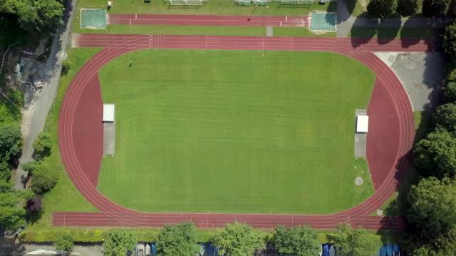 stadio di atletica - atletico video stock e b–roll
