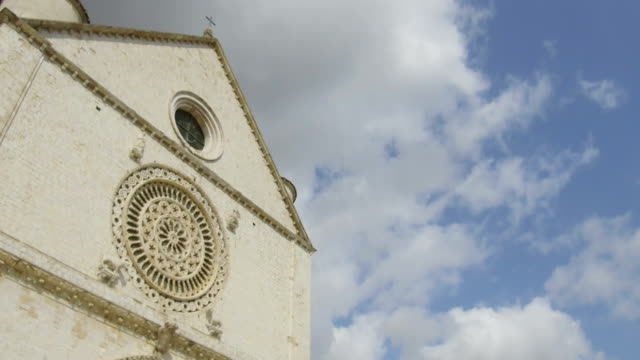 tracking shot on rose window, Assisi video