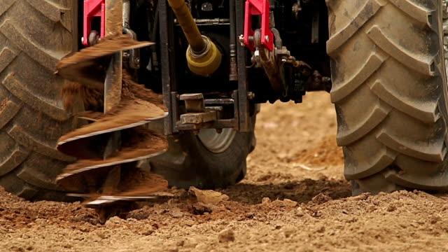 ciągników, żeby kciuki dla owoców drzewa w gospodarstwie - dziura filmów i materiałów b-roll