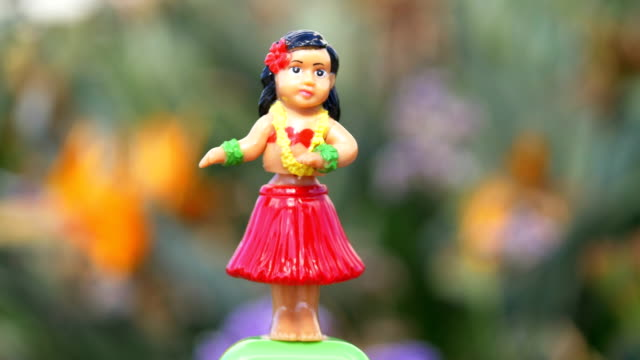 Traditional hula dancer souvenir toy in 4K
