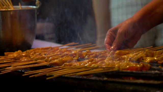 traditional india food - płyta do pieczenia filmów i materiałów b-roll