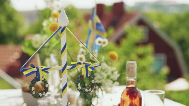 traditionell svensk mid sommar middag utomhus - summer sweden bildbanksvideor och videomaterial från bakom kulisserna