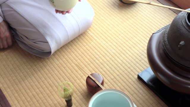 Traditional tea ceremony 'sado' 2 bulk 4/4 -4K- video