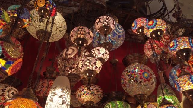 traditional turkish lamp decorations - grand bazaar video stock e b–roll