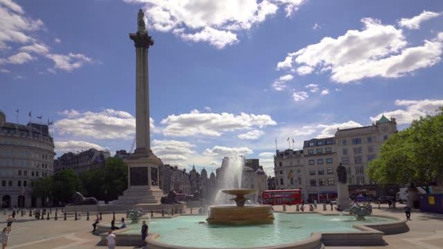 Trafalgar Square with a camera move, London. - vídeo