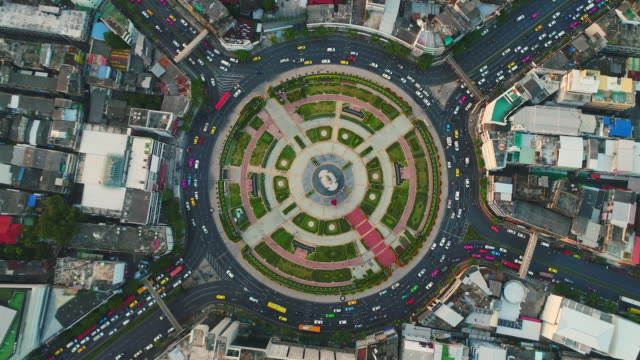 traffic circle roundabout aerial view - people стоковые видео и кадры b-roll