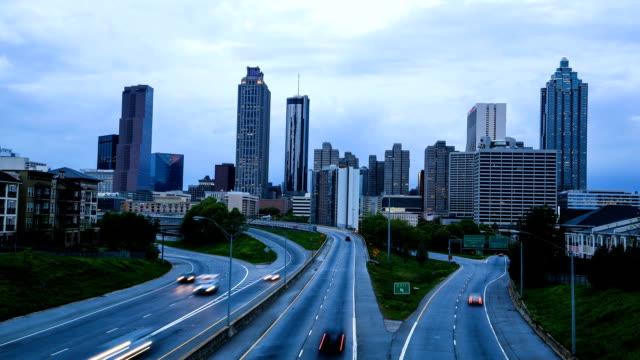 Traffico in centro di Atlanta - video