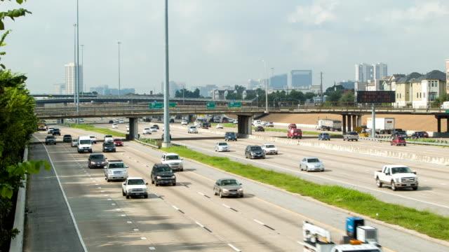 i69 のテキサス州ヒューストンに - 州間高速道路点の映像素材/bロール