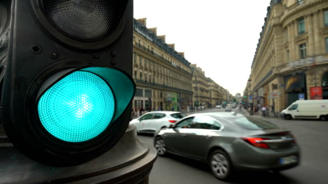 Traffic in Paris with traffic lights