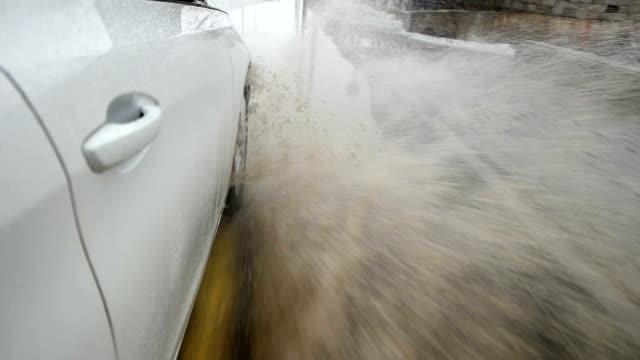 SLOW MOT - Traffic in Rain video