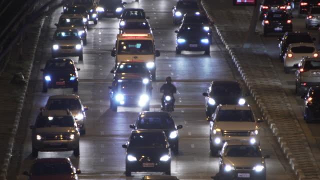 traffic in sao paulo - ultra high definition television bildbanksvideor och videomaterial från bakom kulisserna