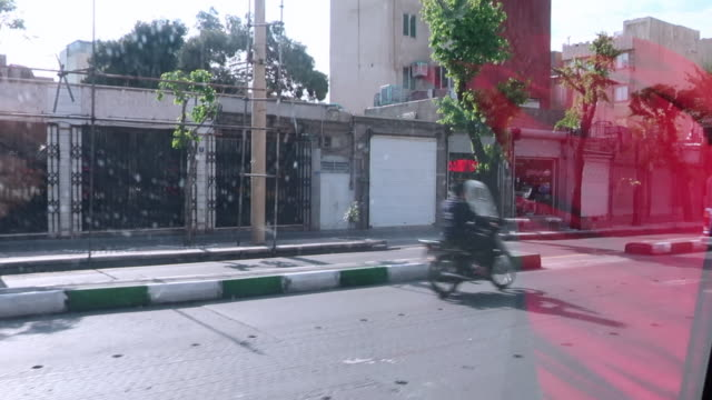 德黑蘭城市街道的交通 - 德黑蘭 個影片檔及 b 捲影像