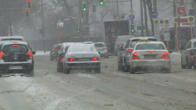 traffic in the wintertime - snow video
