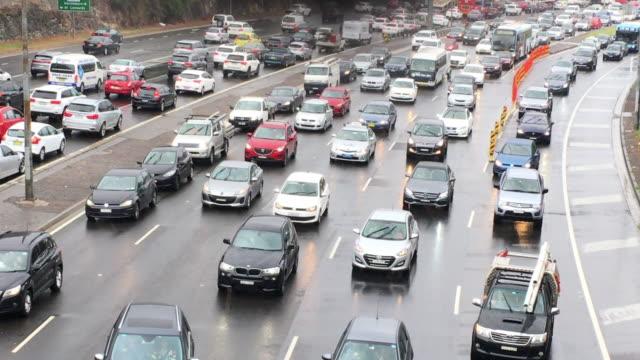 traffic jam and merging traffic - traffic filmów i materiałów b-roll