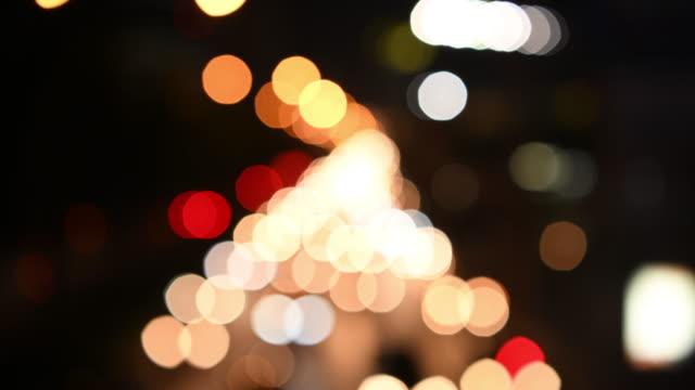 trafikstockning på natten med oskärpa belysningsläge - designelement bildbanksvideor och videomaterial från bakom kulisserna