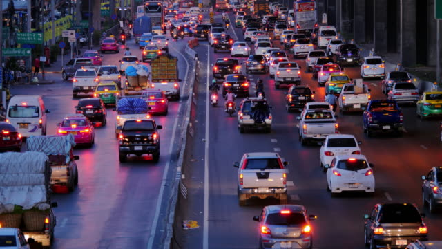 traffic jam in the rush hour.highway traffic downtown in thailand.cities and architecture - sud est asiatico video stock e b–roll