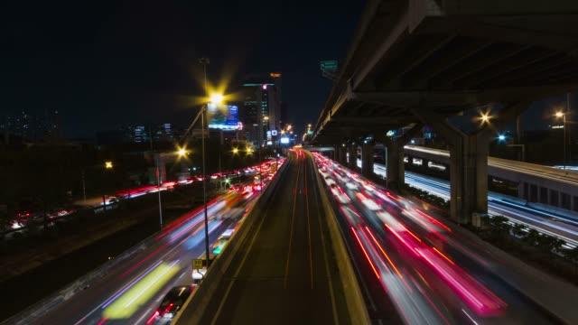 4K Traffic light on night scens video