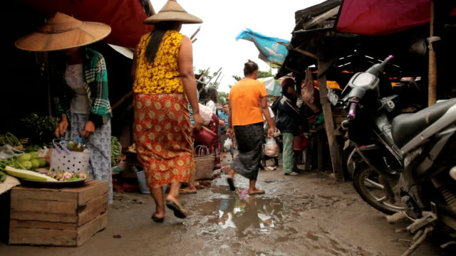Traffic Local market in Bagan, Myanmar Traffic Local market in Bagan, Myanmar myanmar stock videos & royalty-free footage