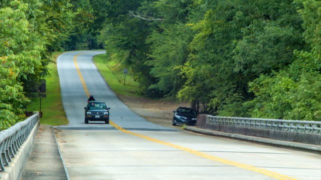 Traffic on the Blue Ridge Parkway in Asheville during Summer video