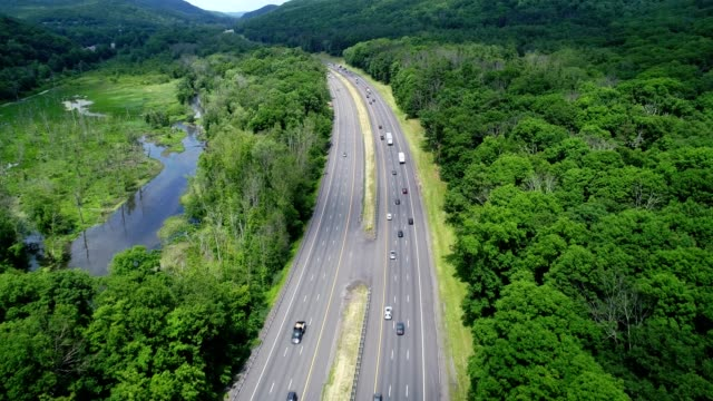 Traffic on The New York State Thruway flying north