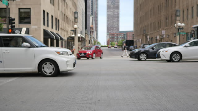 Traffic on the Streets of Chicago video