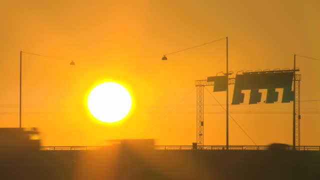 vídeos de stock, filmes e b-roll de de luz do sol. hq 4:2: 2 - calor