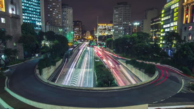 traffic timelapse video - são paulo video stock e b–roll