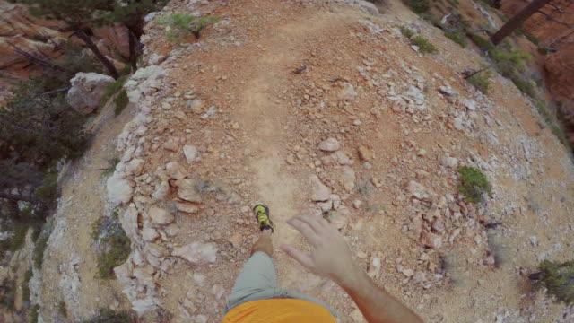 pov trailrunning im bryce canyon national park, peek ein buh-trail - grand canyon stock-videos und b-roll-filmmaterial