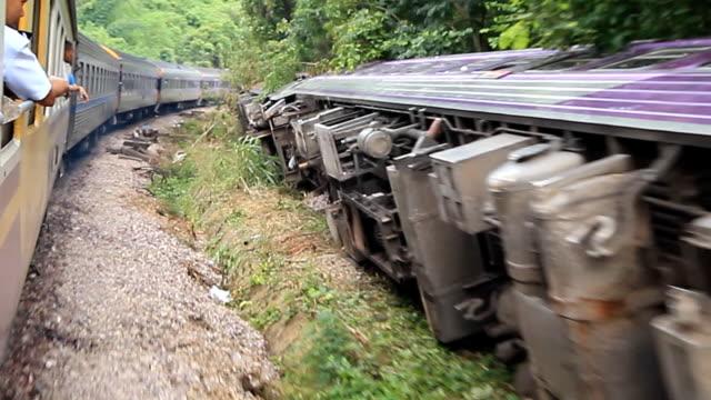train accident - derail bildbanksvideor och videomaterial från bakom kulisserna