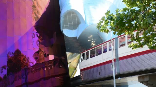 시애틀, 미국 기차 도착 - seattle 스톡 비디오 및 b-롤 화면