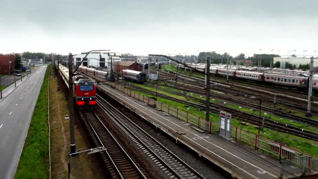 pociąg zbliża się - intercity filmów i materiałów b-roll