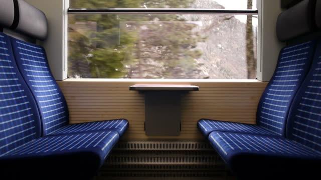 pociąg podróży - wagon kolejowy filmów i materiałów b-roll
